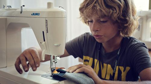 sewing_boy